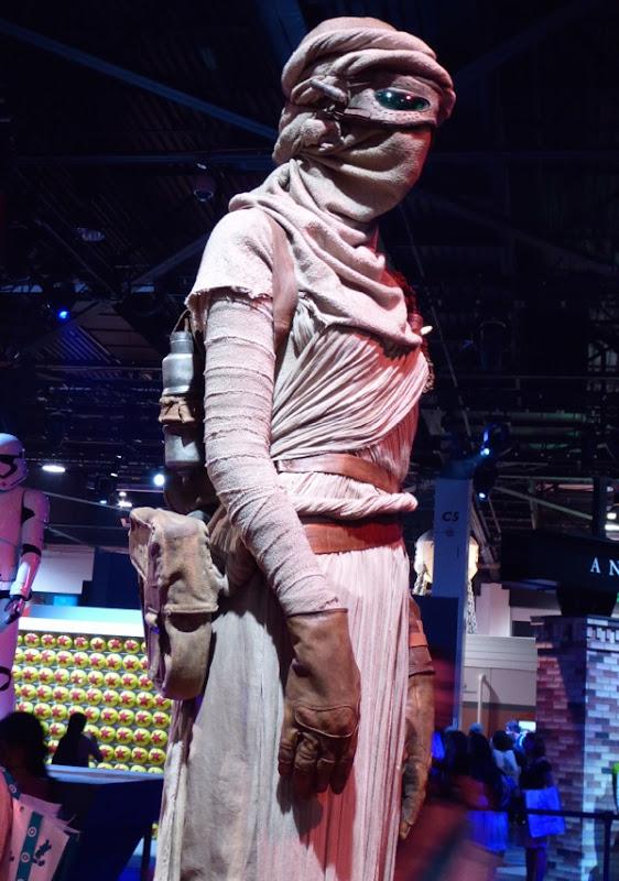 Star Wars Force Awakens Rey costume detail