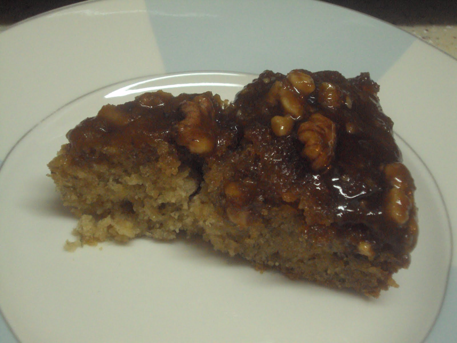 Scrappy Cocoa's Creations: Caramel Walnut Upside Down Banana Cake!
