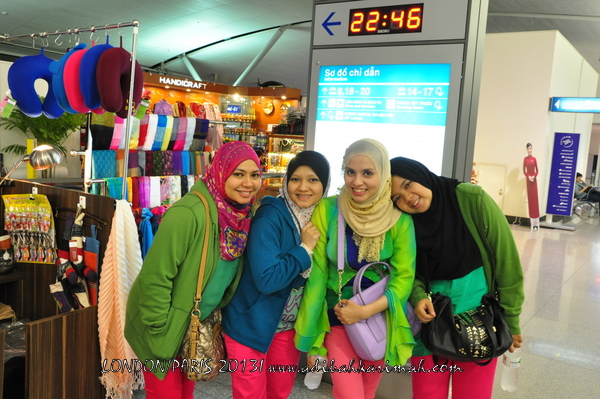 Adibah Karimah and awesomazing team at KLIA going to London for free