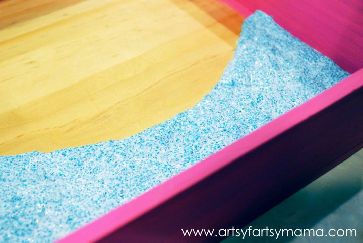 DIY Fairy Garden at artsyfartsymama.com #fairy #garden #kidscraft