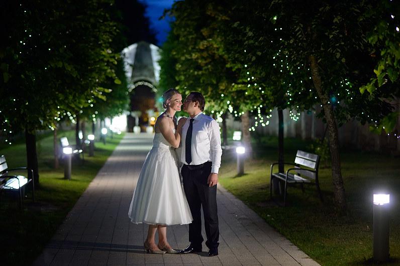 Vestuvių fotosesija Pažaislio vienuolyne