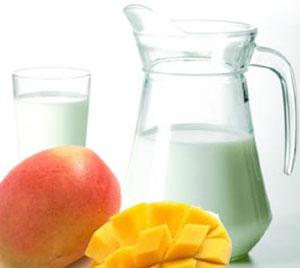 Verdade ou mito? Comer manga com leite faz mal!