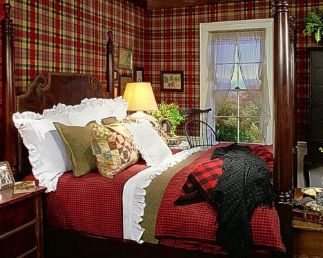 Eye for design decorating with tartan plaidpecially at simple but effective this chandelier with tartan shades supplies just the right touch to this christmas table aloadofball Gallery
