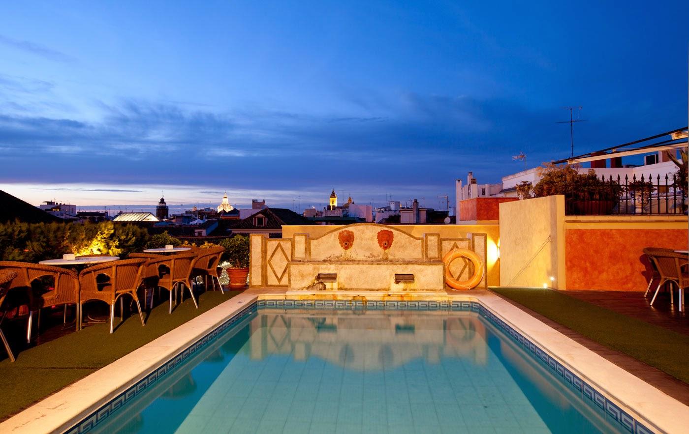 El secreto mejor guardado el cielo de for Hoteles sevilla con piscina