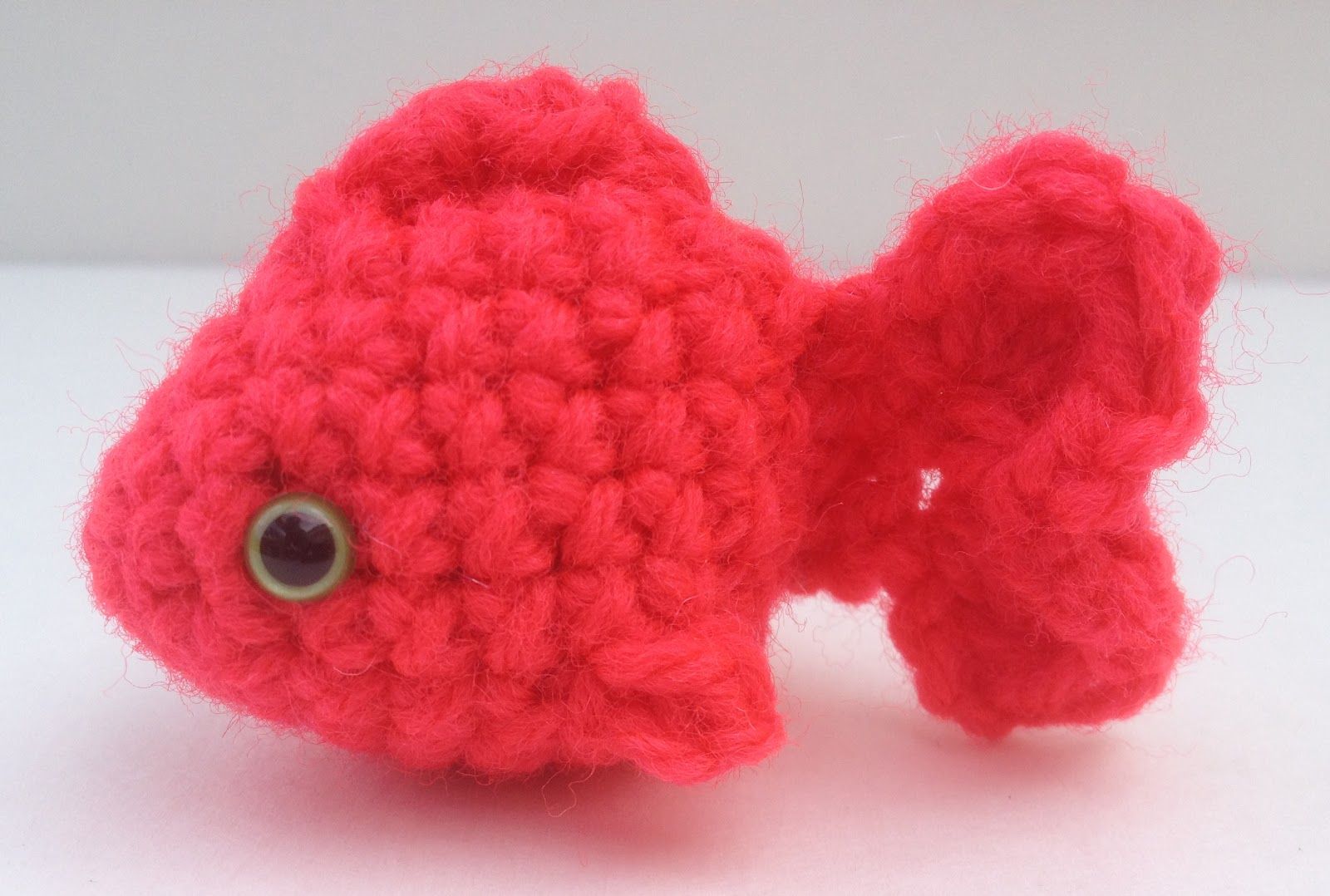 Free Crochet Pattern For Small Fish : The Itsy Bitsy Spider Crochet: Lil Fishy