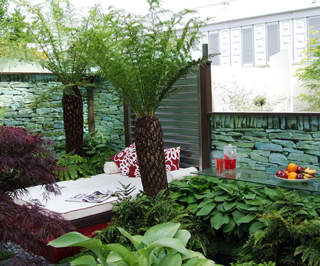Home decorations 9 tips for perfect small backyard design for Small backyard ideas