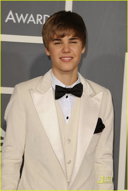 selena gomez grammys 2011. Selena Gomez Grammy