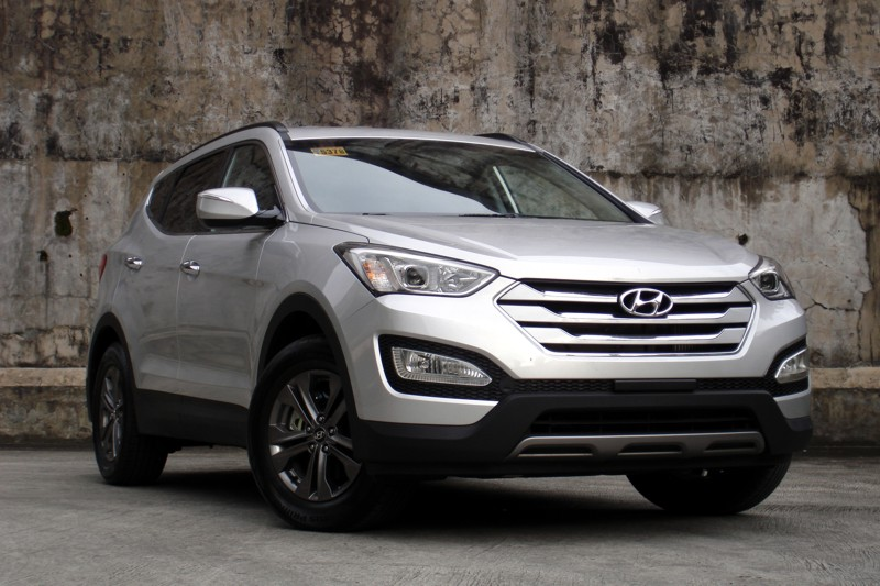 review 2013 hyundai santa fe 2wd 4wd philippine car news car reviews and prices carguide ph. Black Bedroom Furniture Sets. Home Design Ideas