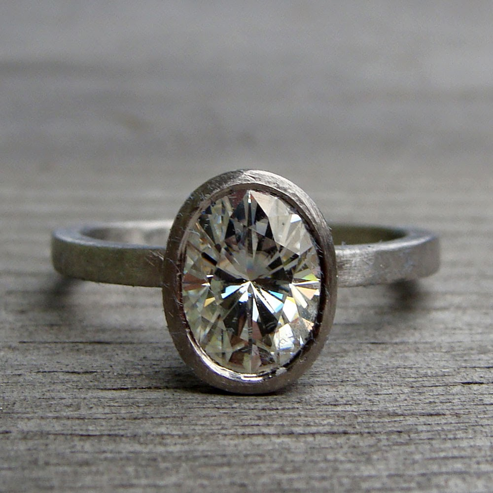 moissanite wedding rings