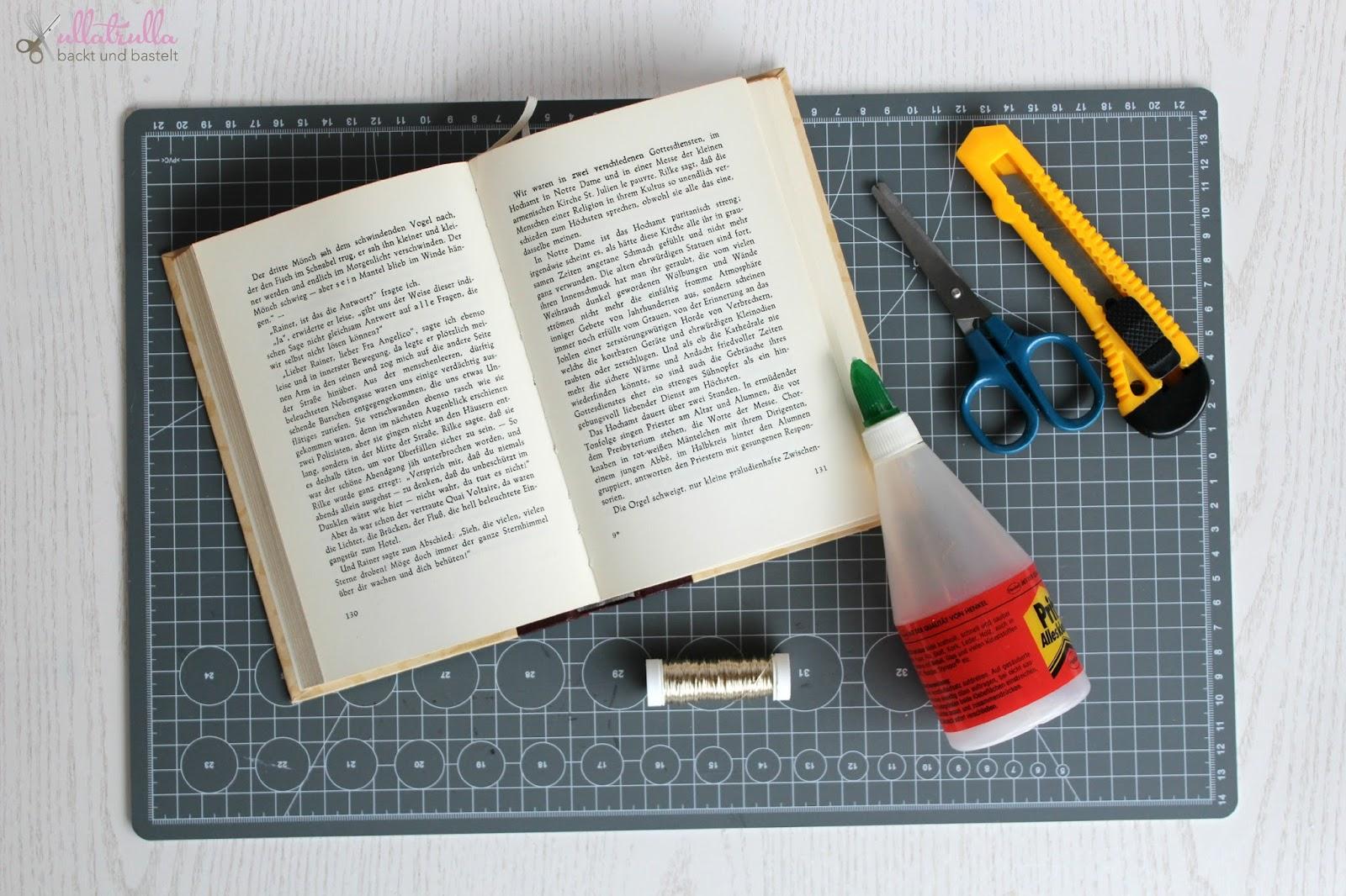 ullatrulla backt und bastelt: DIY Sternchenkranz aus alten Buchseiten