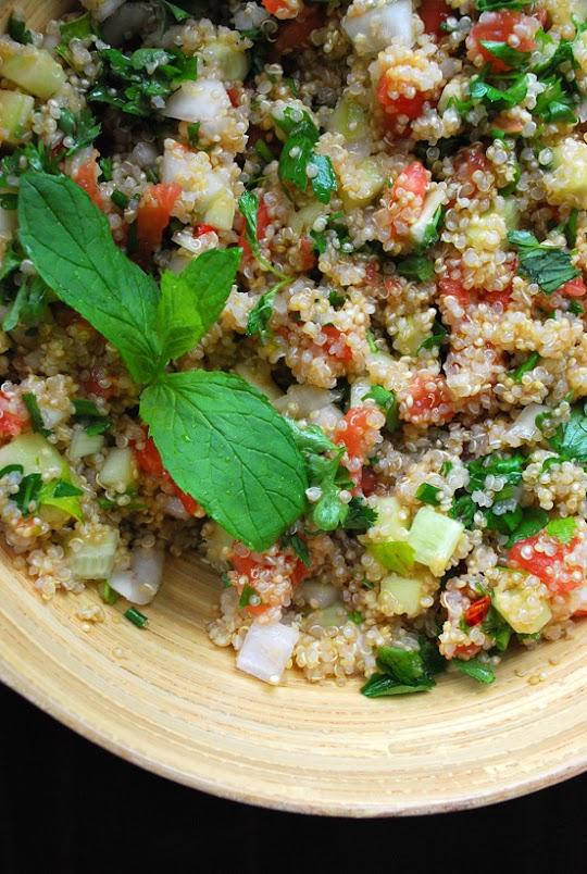 """Sałatka z komosy ryżowej """"quinoa"""""""