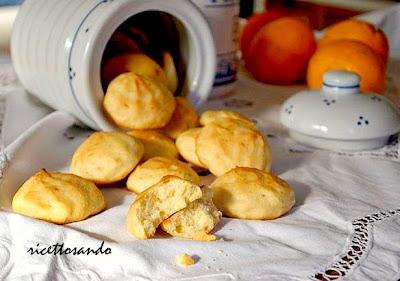 Biscotti morbidi di ricotta e arancia ricetta dolce