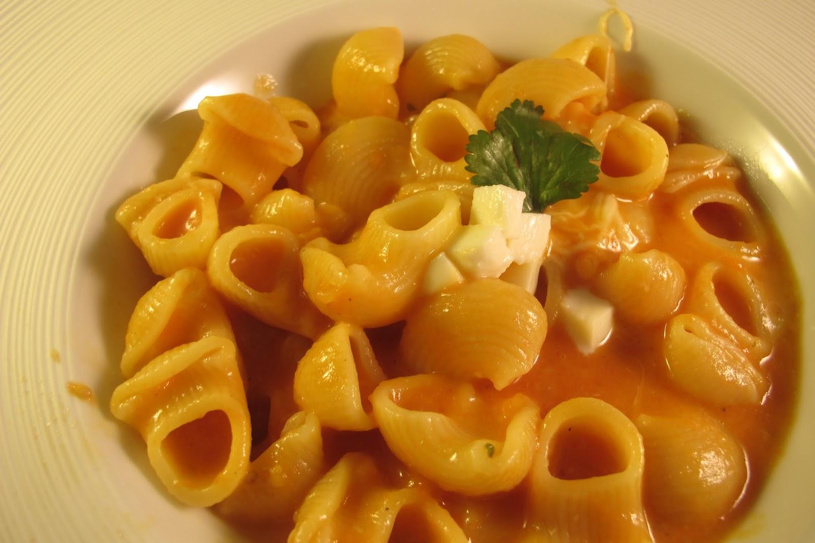 p tes la sauce tomate et mozzarella le blog de cuisine en bouche. Black Bedroom Furniture Sets. Home Design Ideas