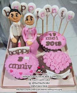 Cupcake Anniversary Cantik Untuk Pasangan
