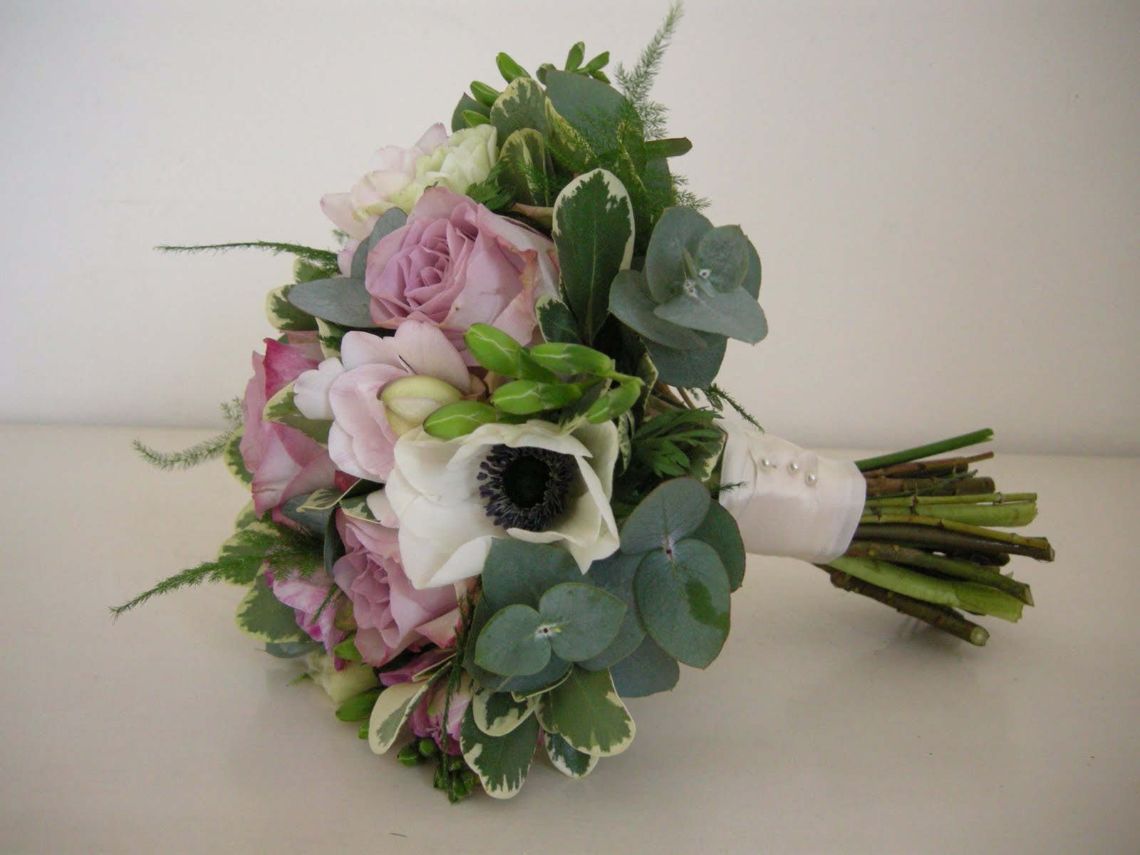 Wedding Flowers Blog Selinas Winter Wedding Flowers With Vintage Theme