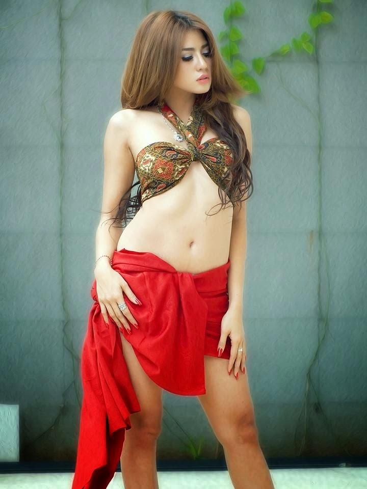 Image Result For Ayunia Elfahrez Seksi Photoshoot Batik