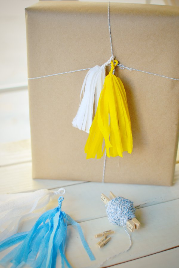 mini tassel gift wrap
