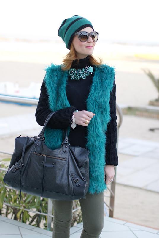 Chicnova fake fur coat, Fashion and Cookies