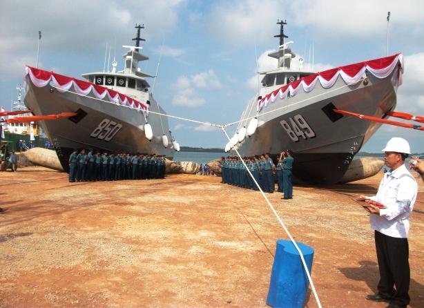 Kapal Cepat KRI Pari-849 dan KRI Sembilang-850