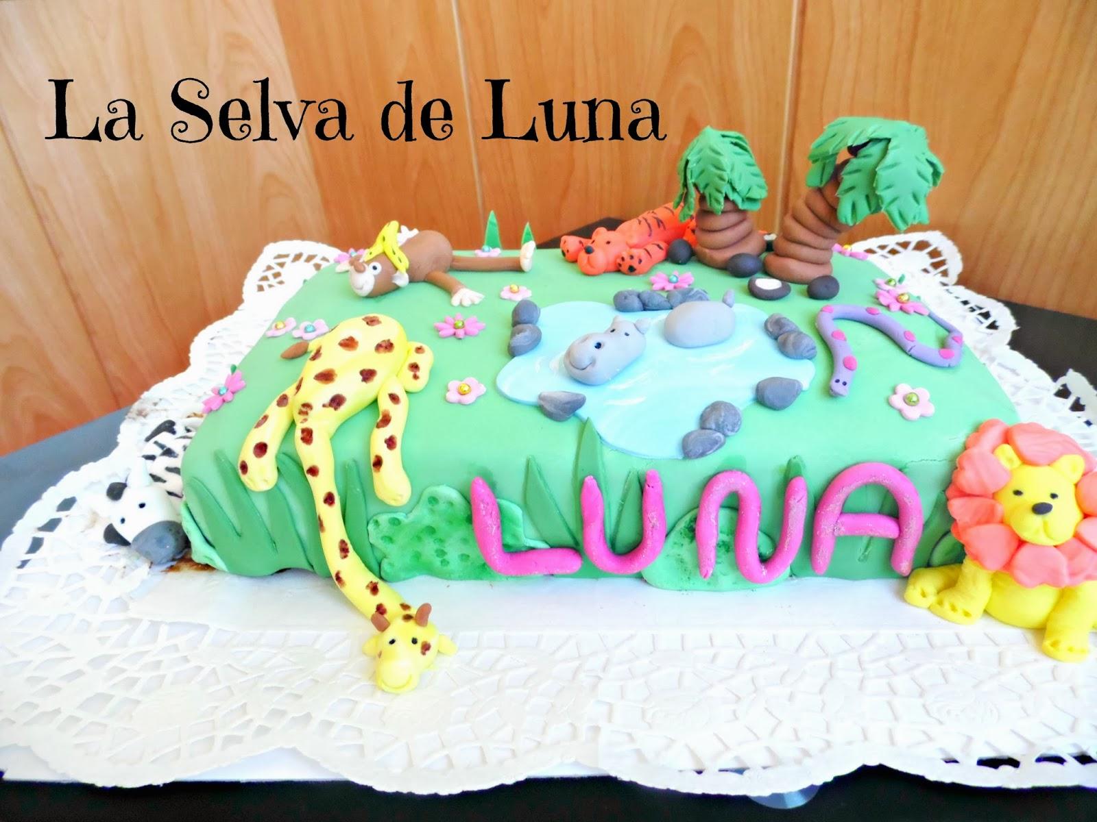 http://www.experimentando-enla-cocina.blogspot.com.es/2013/10/tarta-selva-para-luna.html