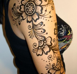 Latest easy arm mehndi 2013 mehndi desings 2013 for Where can i get a henna tattoo near me