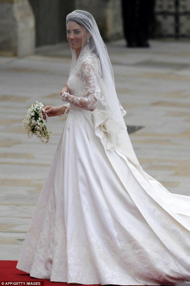 doyounoah: Kate\'s Wedding Dress Alexander McQueen Royal Wedding