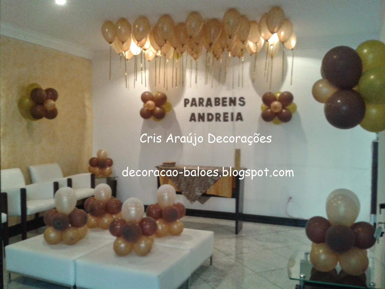 Arte com balões e EVA Decoração com balões marrom e dourado