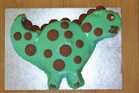 http://homecomforts-gbsbaby.blogspot.co.uk/2014/06/no-bake-dinosaur-cake.html