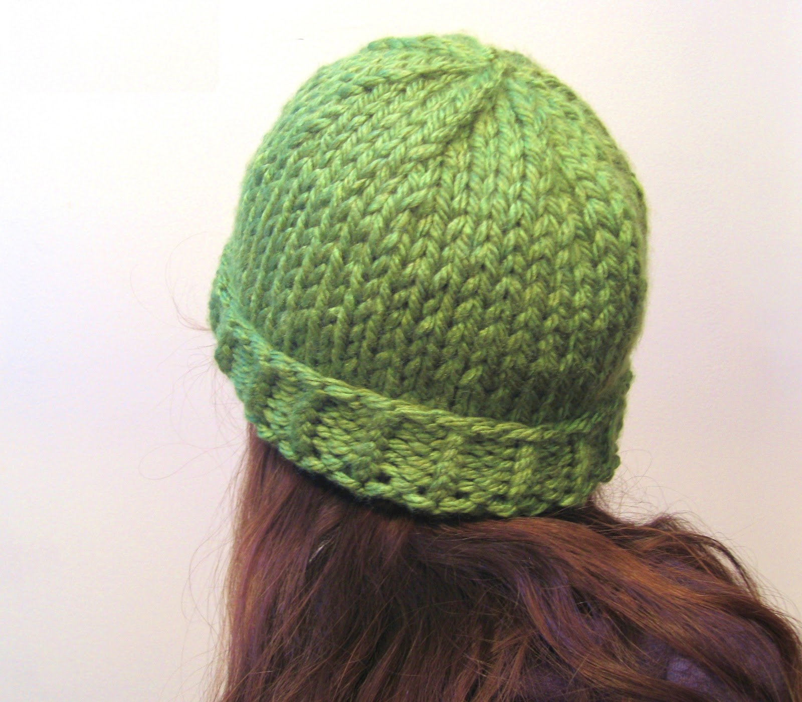 Simple Knit Hat Pattern Free : megan E sass handknits: Free Knitting Pattern: Easy Chunky Knit Beanie Hat