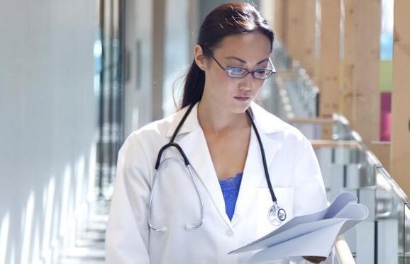 6 Cabaran jika isteri anda seorang doktor