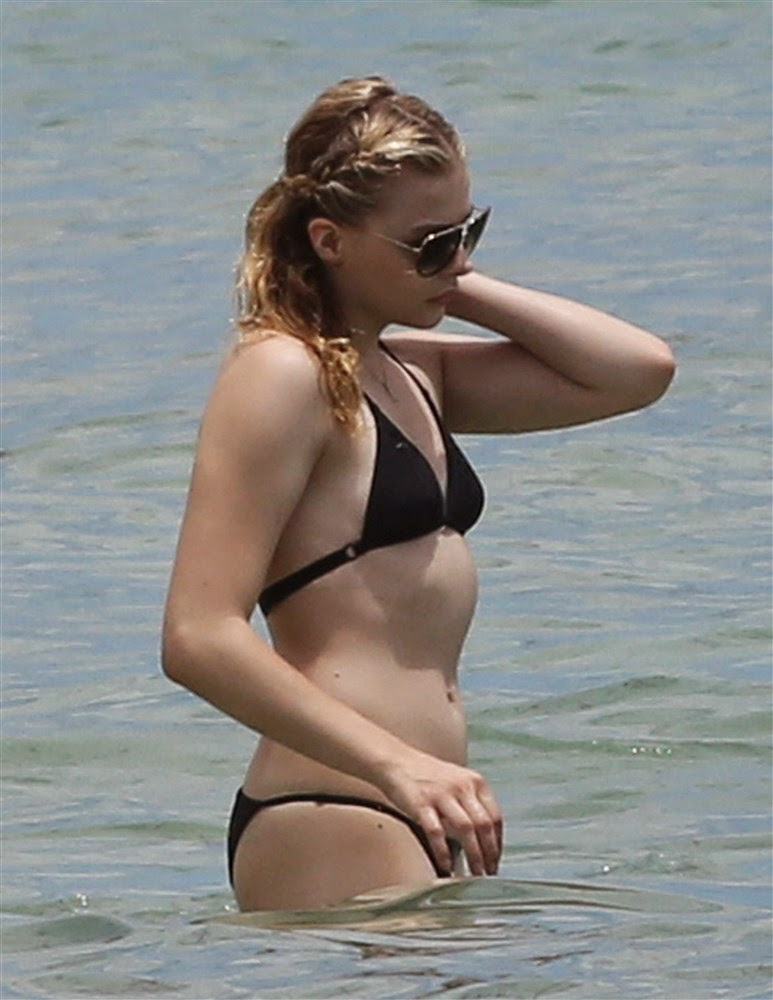 Chloe Moretz sexy hot Cute Girl in Hot Bikini WOW what a Teen Body Hot Boobs Ass