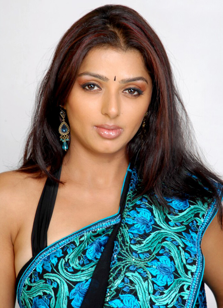 Bhumika Chawla1 - Bhumika Chawla hot Pics in Saree
