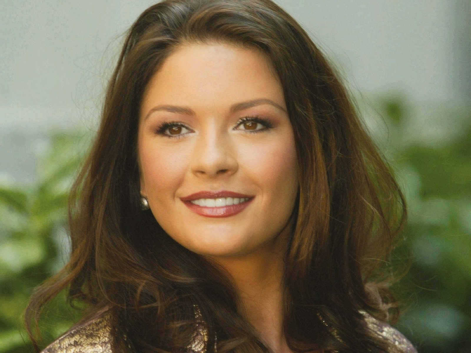 Celebrity HD Wallpaper... Catherine Zeta Jones Photo