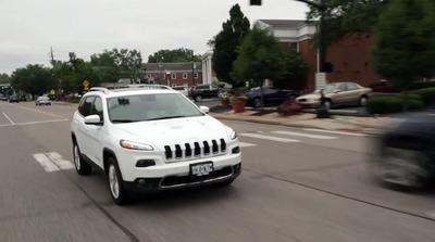 Hackers podem controlar milhares de veículos Chrysler de longe