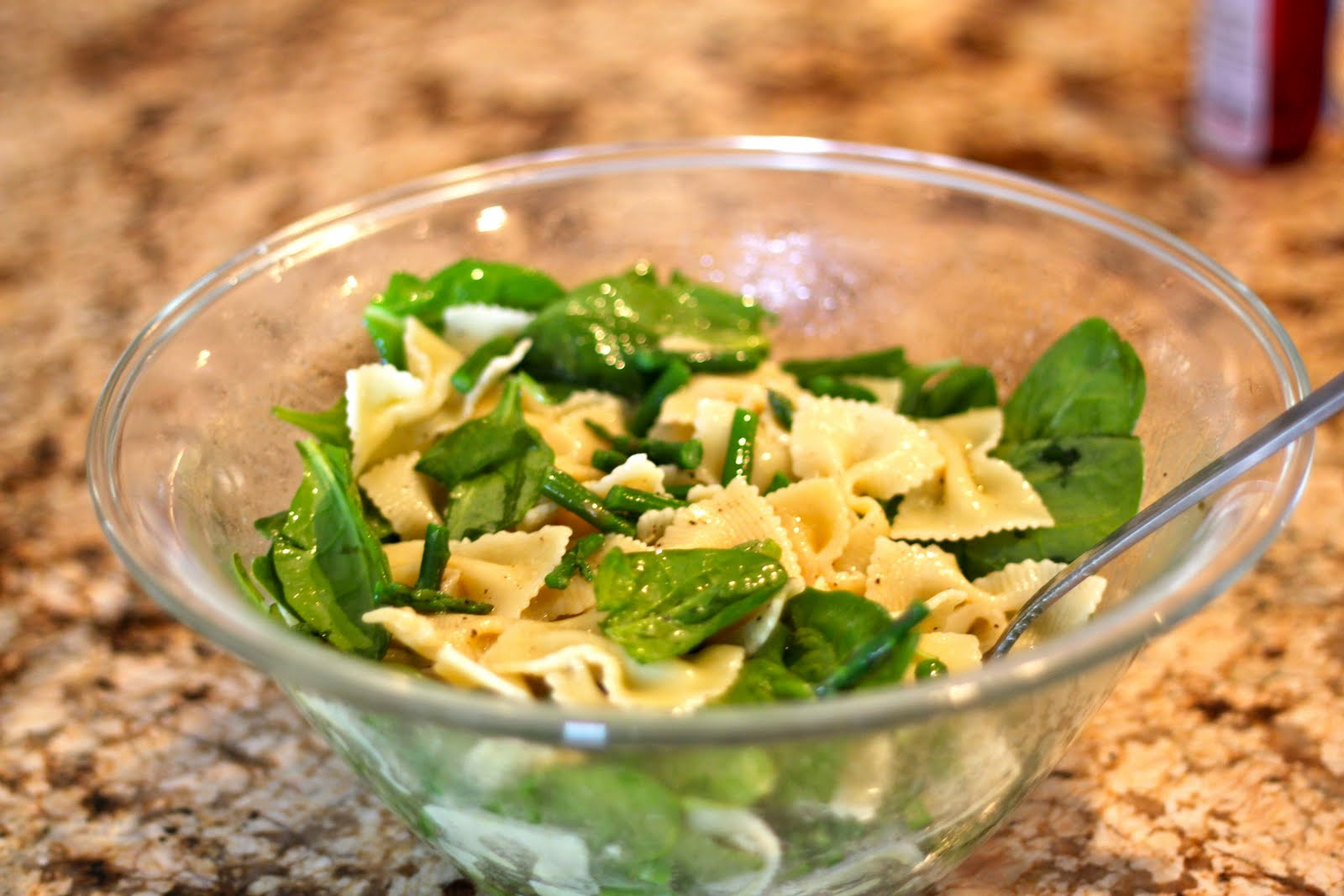 Domestic Charm: Spinach and Asparagus Pasta Salad