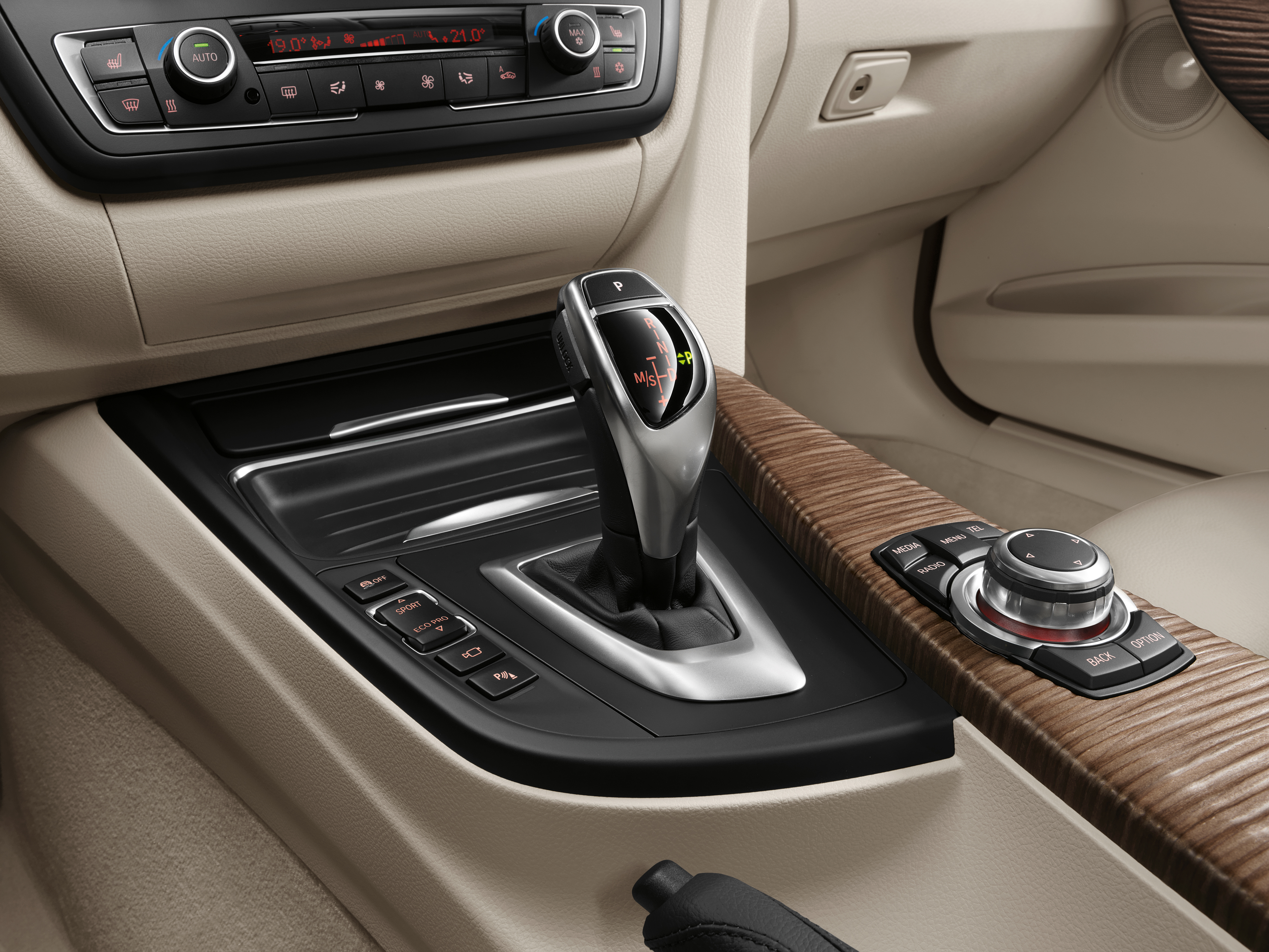2013 BMW 3 Series F30 320d Sedan Modern Line Interior Detail