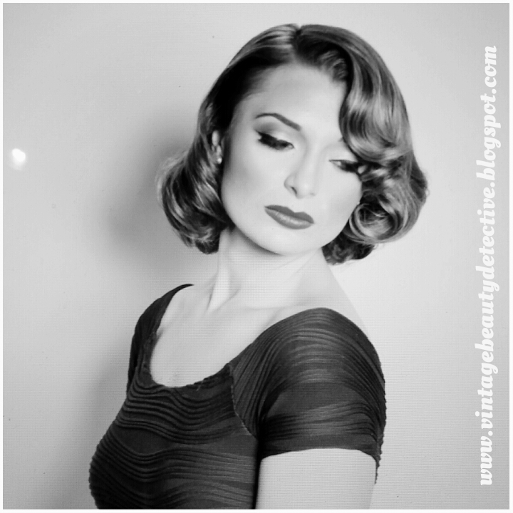 1950s vintage hairstyle via www.vintagebeautydetective.blogspot.com
