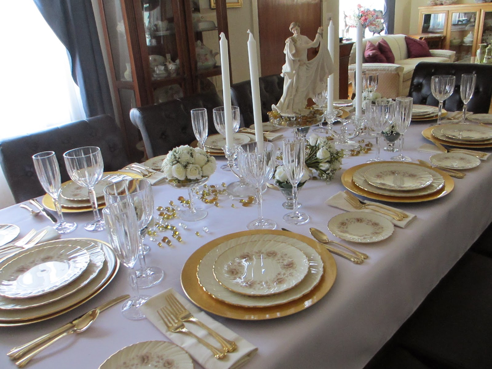 1 Year Wedding Anniversary Dinner Ideas : The Welcomed Guest: Golden Wedding Anniversary Tablescape