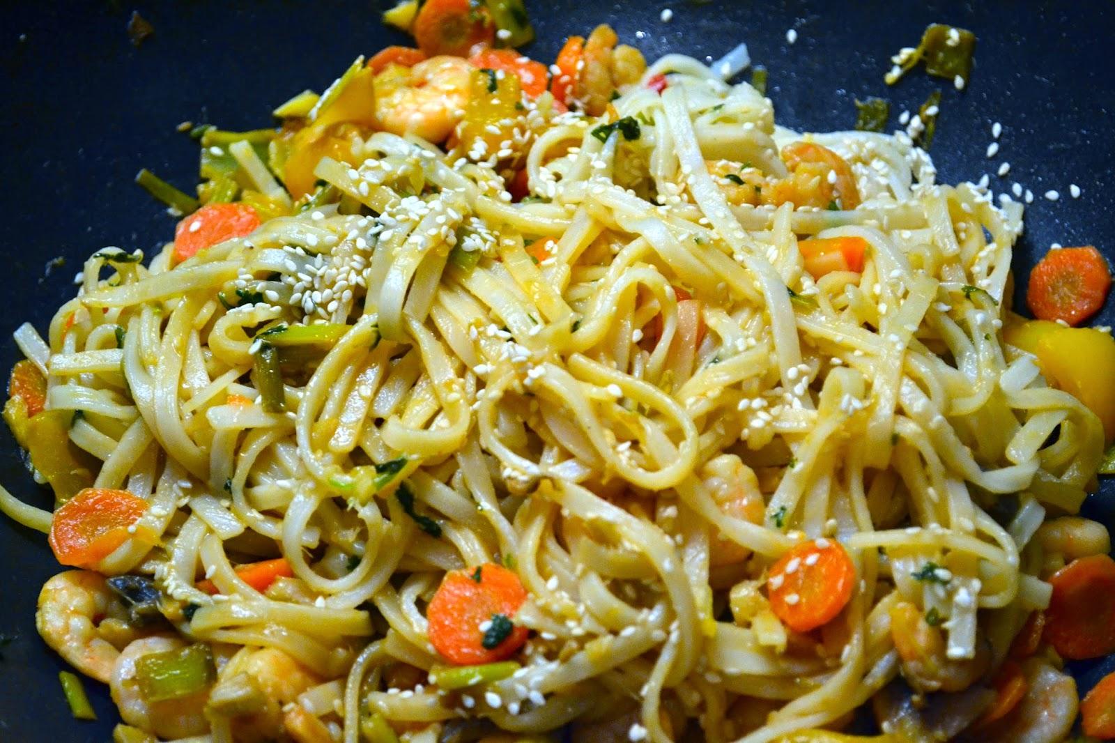 receta de ensalada asiática con jengibre y pollo o gambas