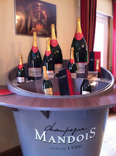 Champagne Mandois wellcoming tasting lounge,  I ordered the full buket, just kiddin'!