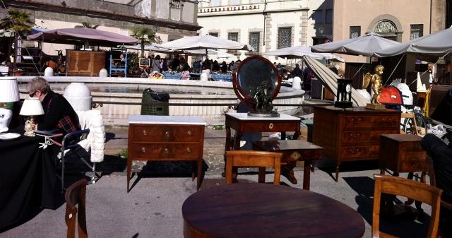 Passione vintage mercatini delle pulci agosto 2015 for Mercatino mobili