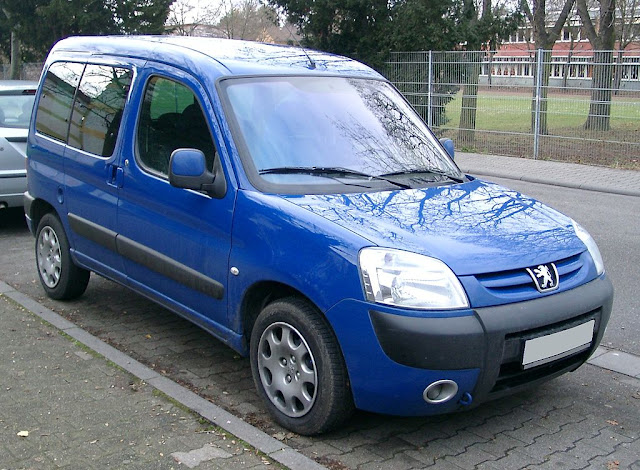Front picture of Peugeot partner