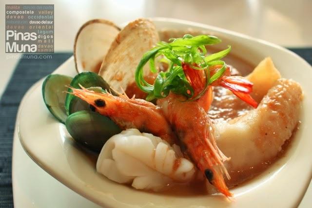 Seafood Sinigang sa Mangosteen