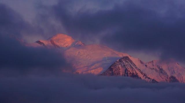 coucher de soleil sur le Mont-Blanc,Chamonix, vu depuis la montagne de Pormenaz