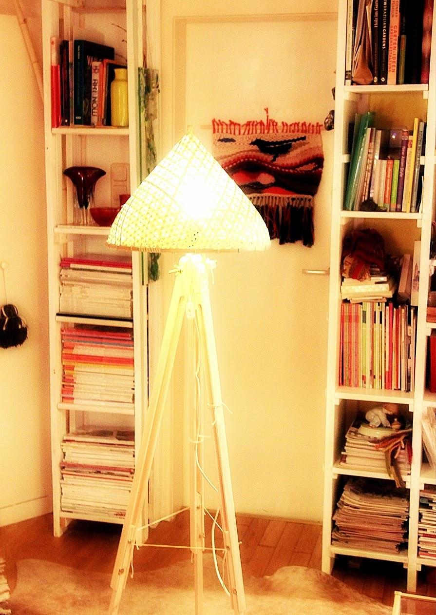 tripod leuchte diy mit holz und bambus. Black Bedroom Furniture Sets. Home Design Ideas
