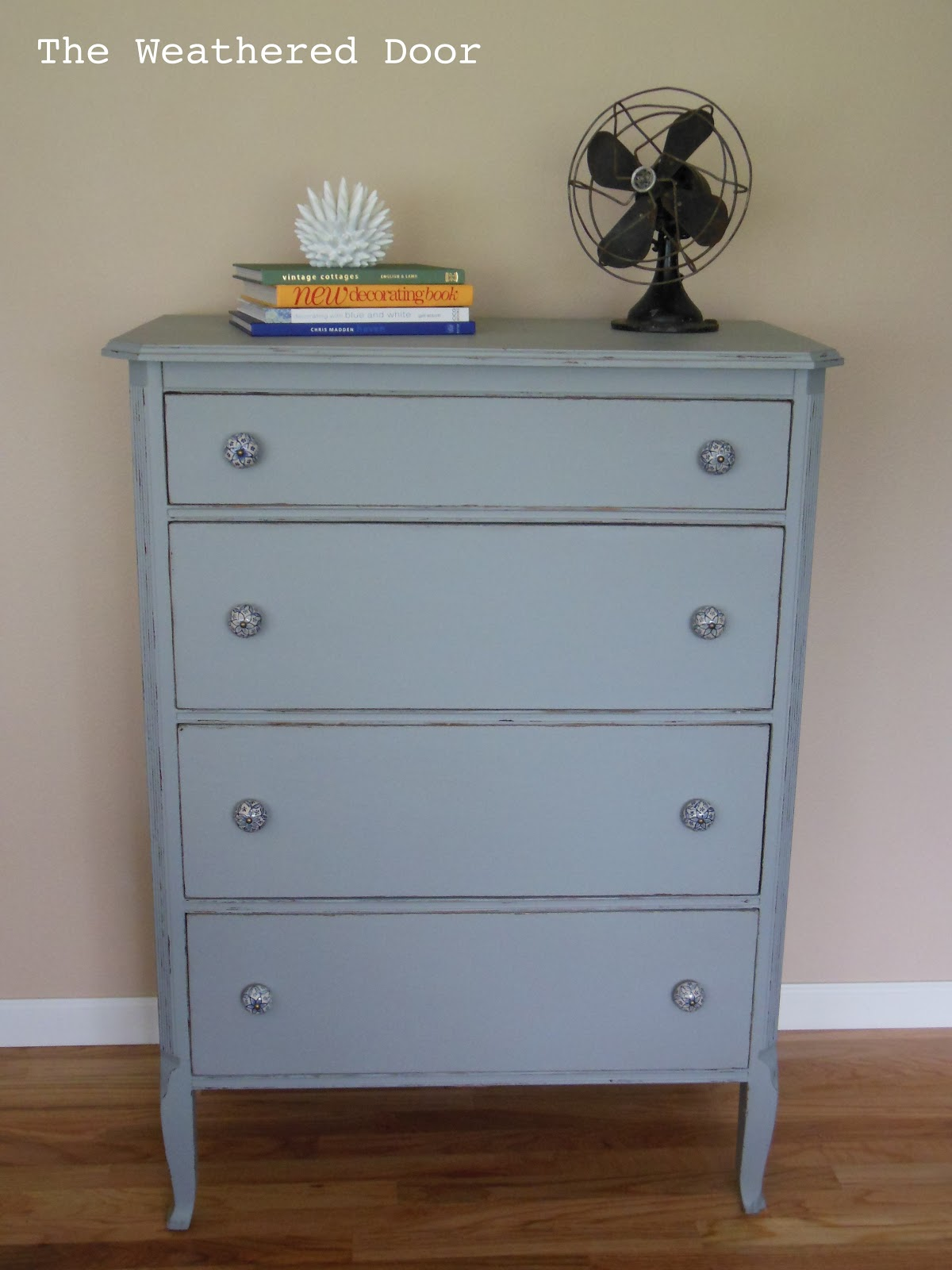 4 Drawer Dresser With Blue And White Pulls The Weathered