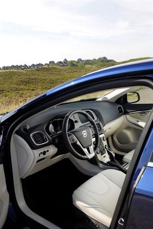 Como limpiar el interior y tapiceria del coche coches de segunda mano y km 0 - Limpiar el interior del coche ...
