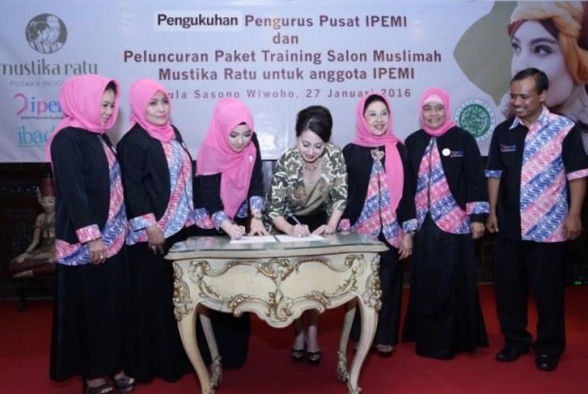 Inggrid Kansil Meresmikan Pasar Muslimah IPEMI