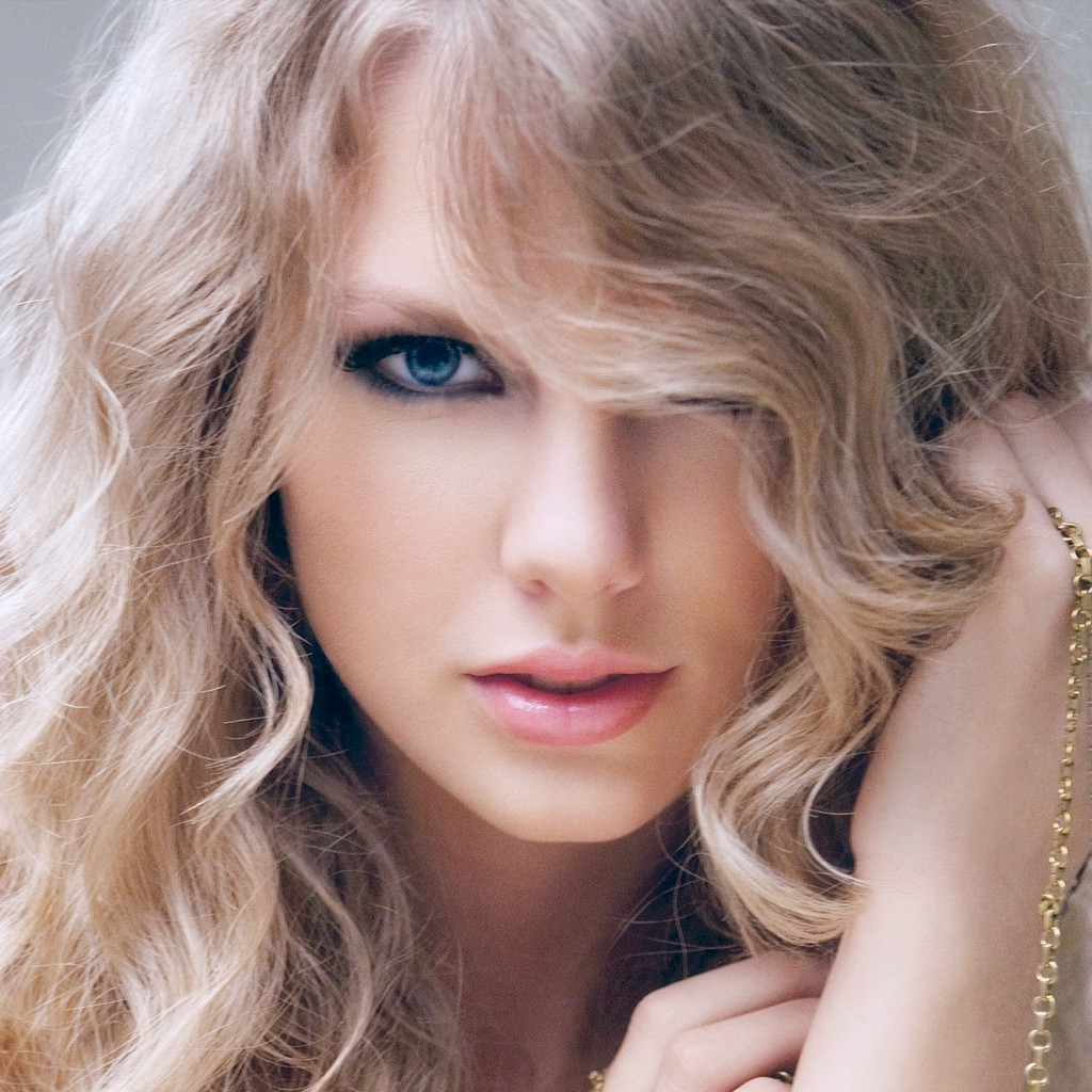 Taylor Swift download free wallpapers for Apple iPad