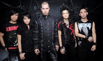 Download Lagu Triad Cinta Gila Mp3 Terbaru
